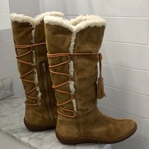 SUEDE KNEE-HIGH CAMEL BOOTS (BRAND NEW)!